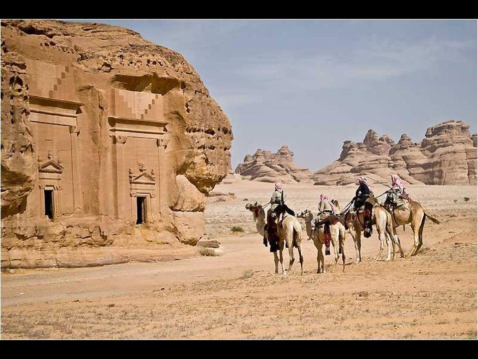 Curiosamente, casi todo el mundo conoce sobre la existencia de los restos de Petra, pero poco se conoce sobre éste lugar. Madain Saleh, fue algo así c