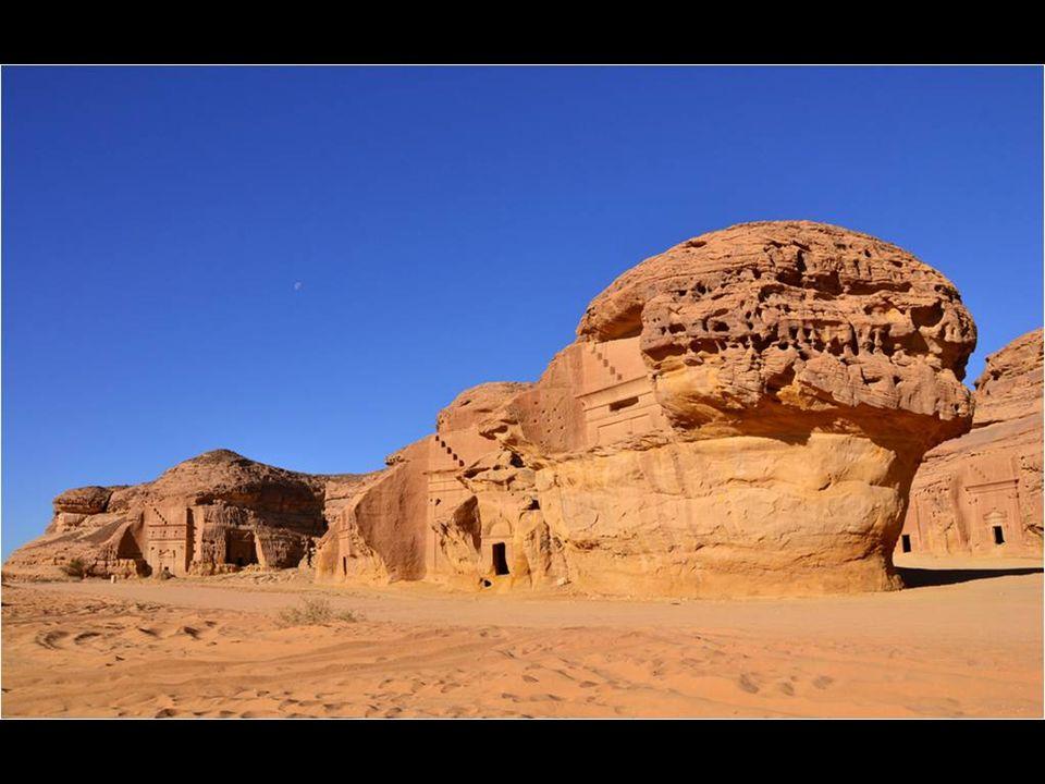 Madain Saleh es el nombre de restos arqueológicos en Arabia Saudí. Es una ciudad tallada en la roca arenisca casi desconocida, y sin embargo, sus rest
