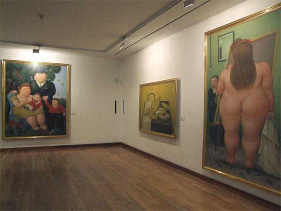 El Museo Botero está situado en La Candelaria.Alberga una numerosa colección de obras donadas a Colombia por el artista Fernando Botero con la intención de difundir las artes y la cultura en su país natal.