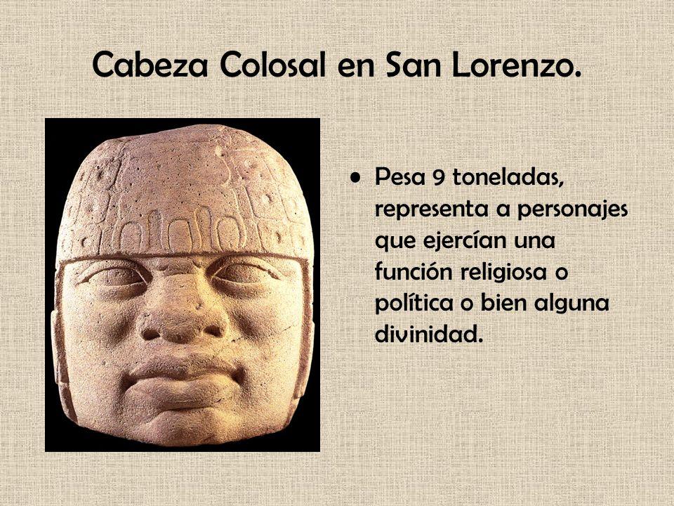 Cabeza Colosal en San Lorenzo. Pesa 9 toneladas, representa a personajes que ejercían una función religiosa o política o bien alguna divinidad.
