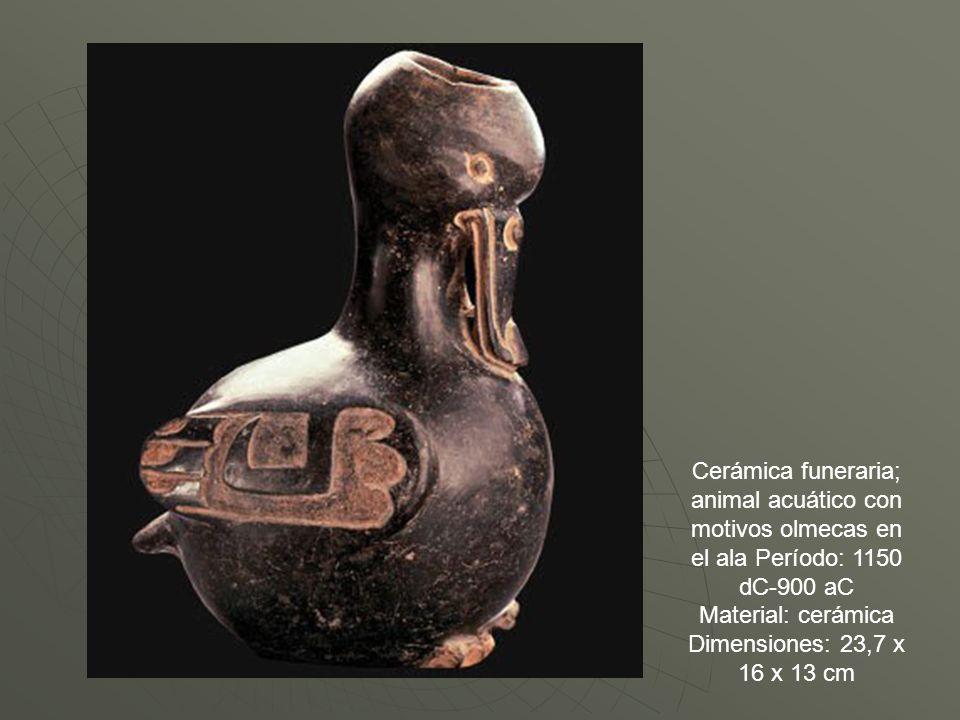 Cerámica funeraria; animal acuático con motivos olmecas en el ala Período: 1150 dC-900 aC Material: cerámica Dimensiones: 23,7 x 16 x 13 cm