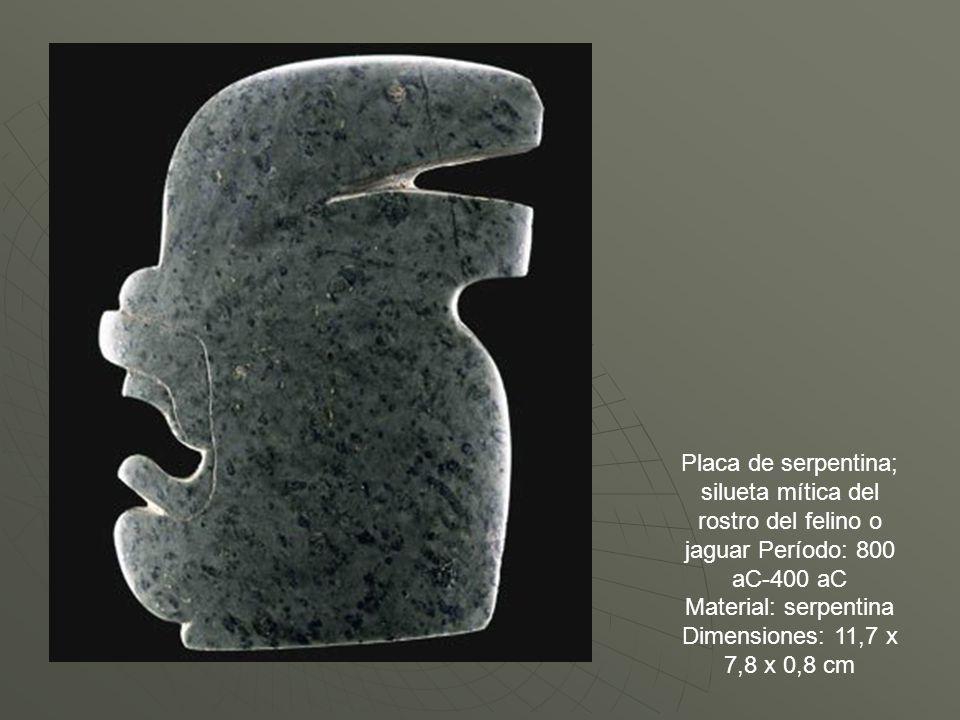 Placa de serpentina; silueta mítica del rostro del felino o jaguar Período: 800 aC-400 aC Material: serpentina Dimensiones: 11,7 x 7,8 x 0,8 cm