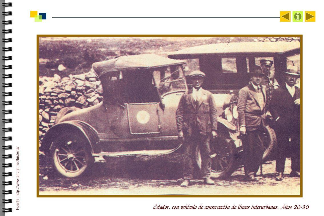 Celador, con vehículo de conservación de líneas interurbanas.