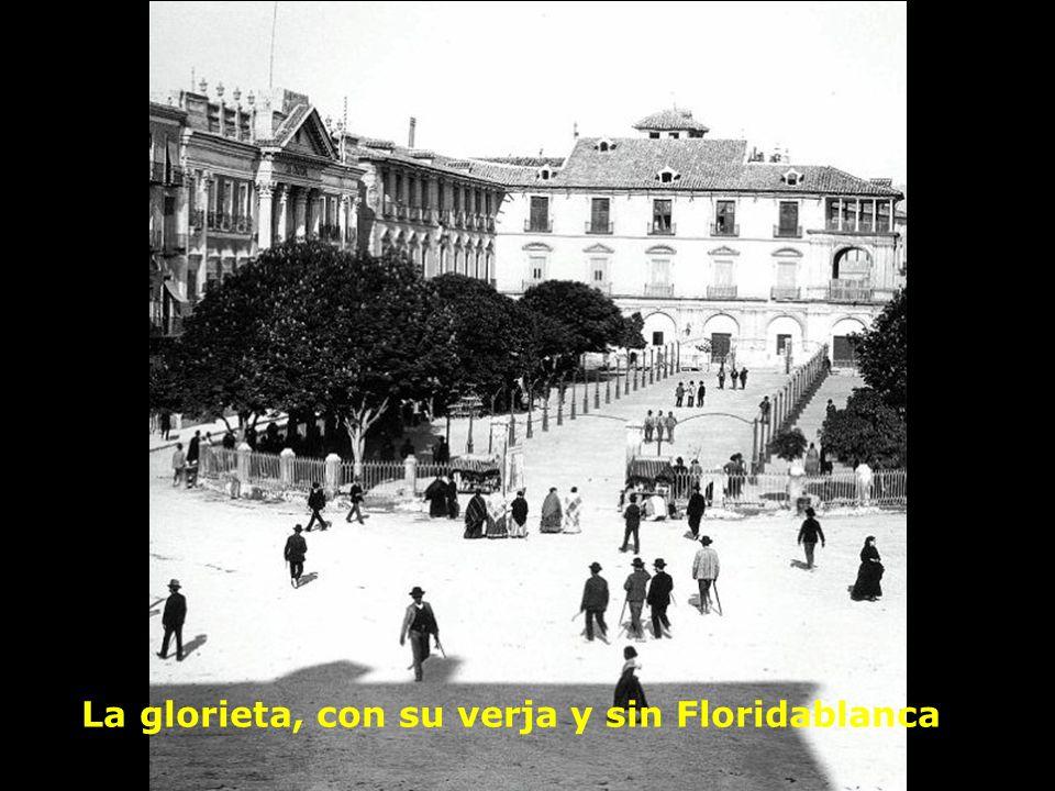 La glorieta, con su verja y sin Floridablanca