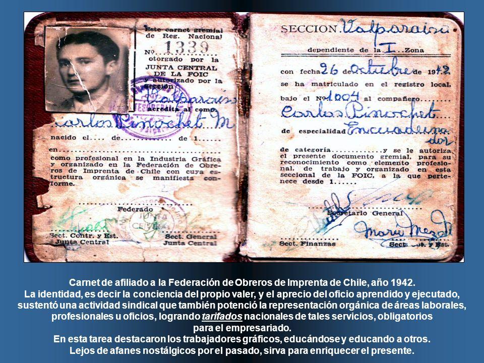 Carnet de afiliado a la Federación de Obreros de Imprenta de Chile, año 1942.