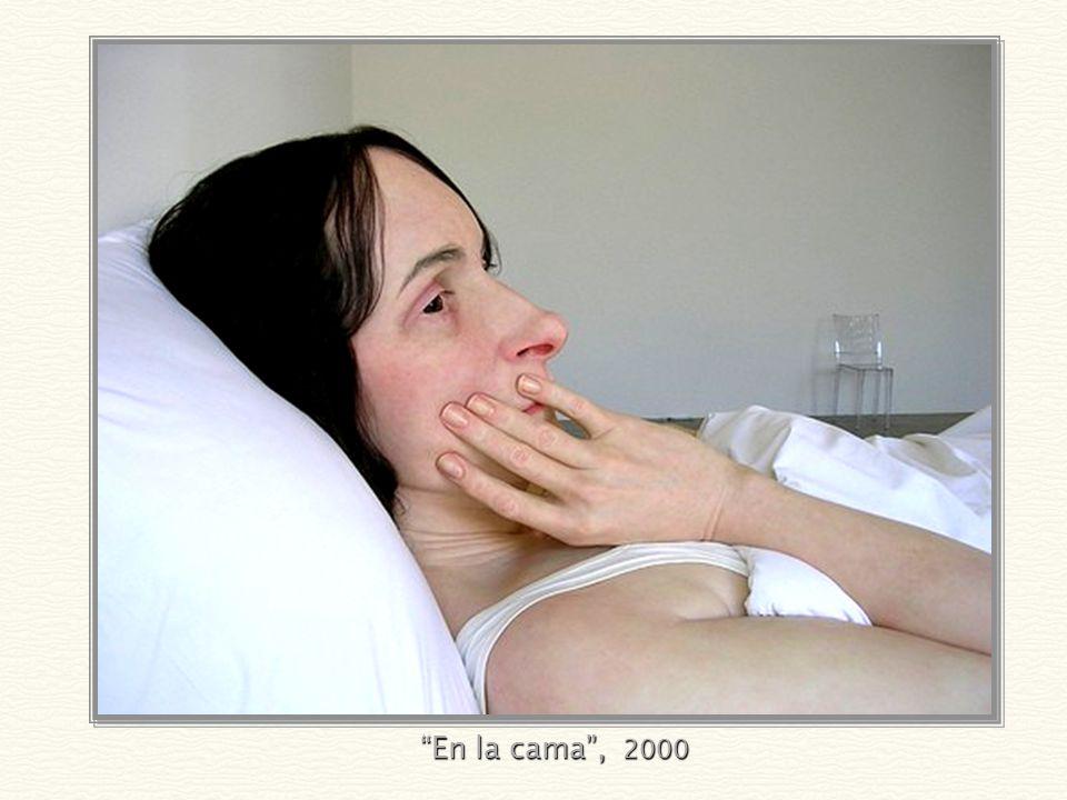 Mujer vieja en la cama, 2001
