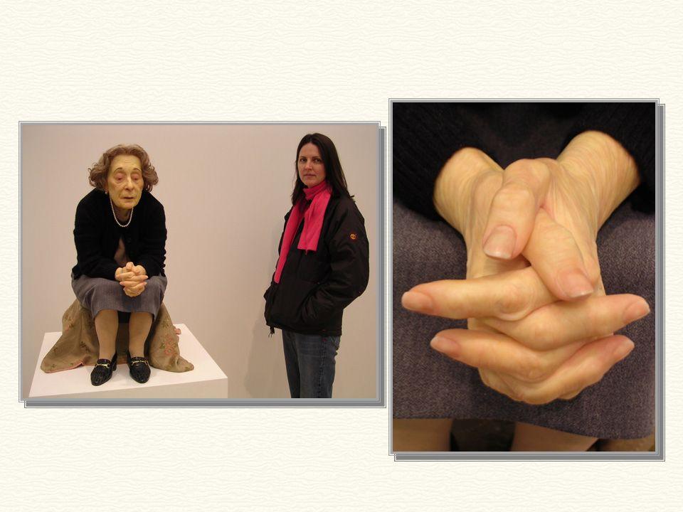 Mujer sentada - 1996 1,76m de altura. Puedes creer que esta señora es una escultura?