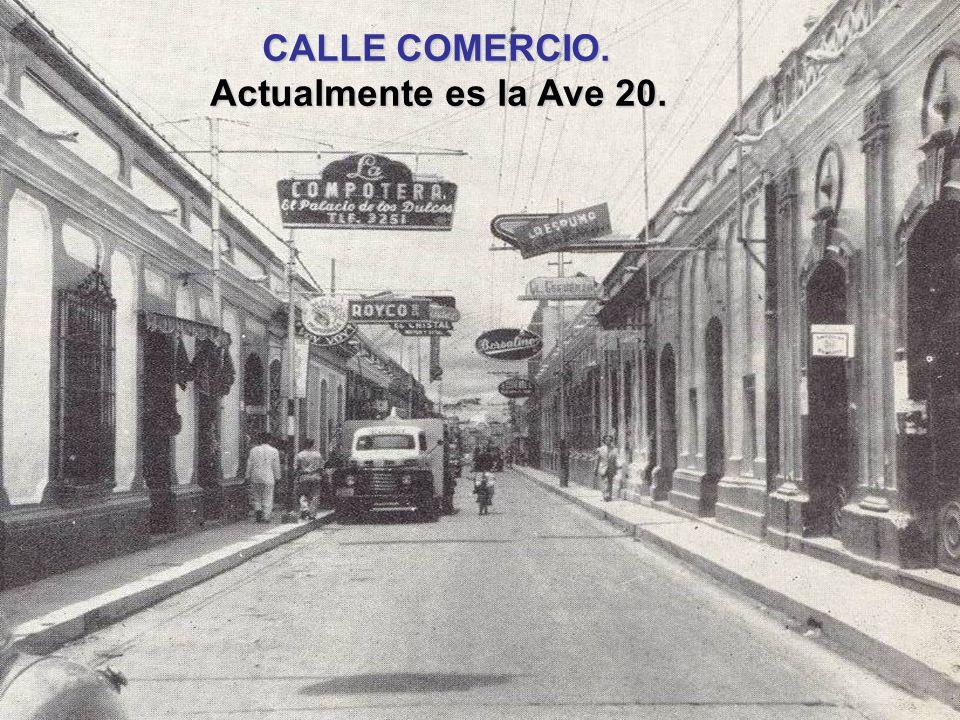 CALLE COMERCIO. Año 1942. CALLE COMERCIO. Año 1942. Entre Juares(Calle 25) y Entre Juares(Calle 25) y Obispo(Calle 26). Obispo(Calle 26). Actualmente