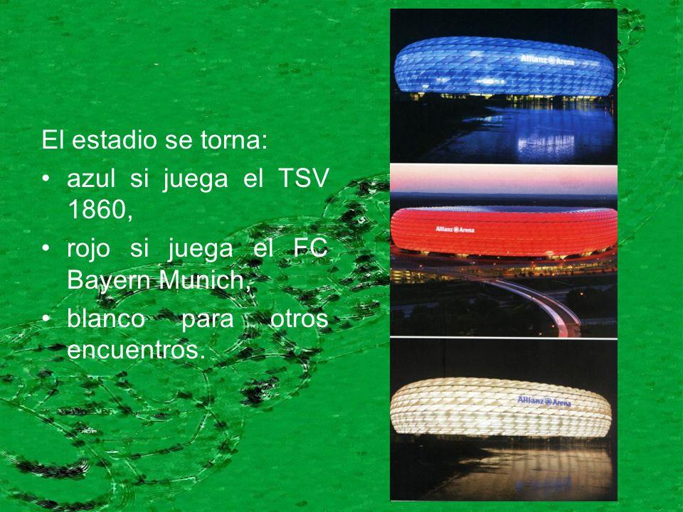 El estadio se torna: azul si juega el TSV 1860, rojo si juega el FC Bayern Munich, blanco para otros encuentros.
