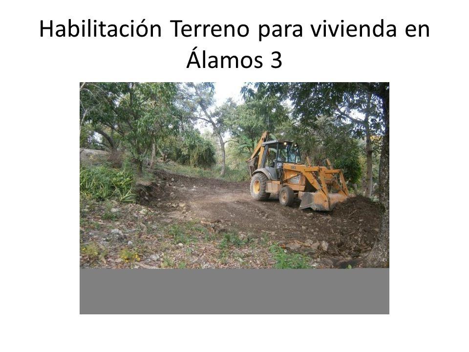 Apoyo con Retroexcavadora para extender tierra en calle Av. De la Paz