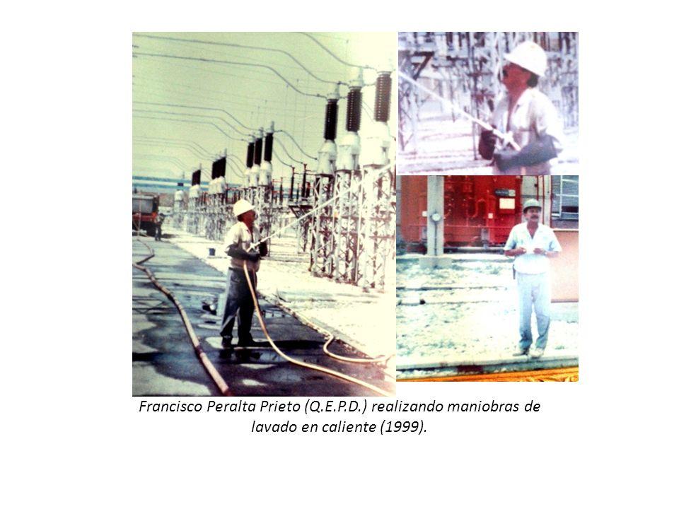 Francisco Peralta Prieto (Q.E.P.D.) realizando maniobras de lavado en caliente (1999).