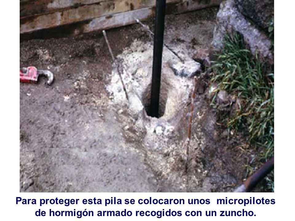 Para proteger esta pila se colocaron unos micropilotes de hormigón armado recogidos con un zuncho.