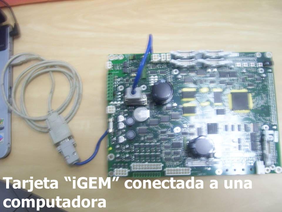 Tarjeta iGEM conectada a una computadora