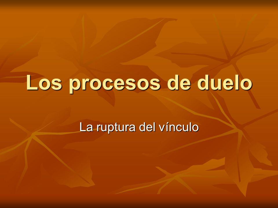 El duelo como proceso psicológico El duelo es un proceso de cambio psicológico que se inicia con la muerte de una persona querida y culmina con la restauración del equilibrio personal alterado por la pérdida.