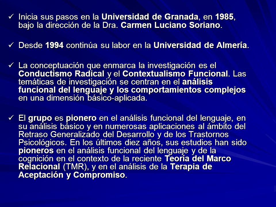 Inicia sus pasos en la Universidad de Granada, en 1985, bajo la dirección de la Dra. Carmen Luciano Soriano. Inicia sus pasos en la Universidad de Gra