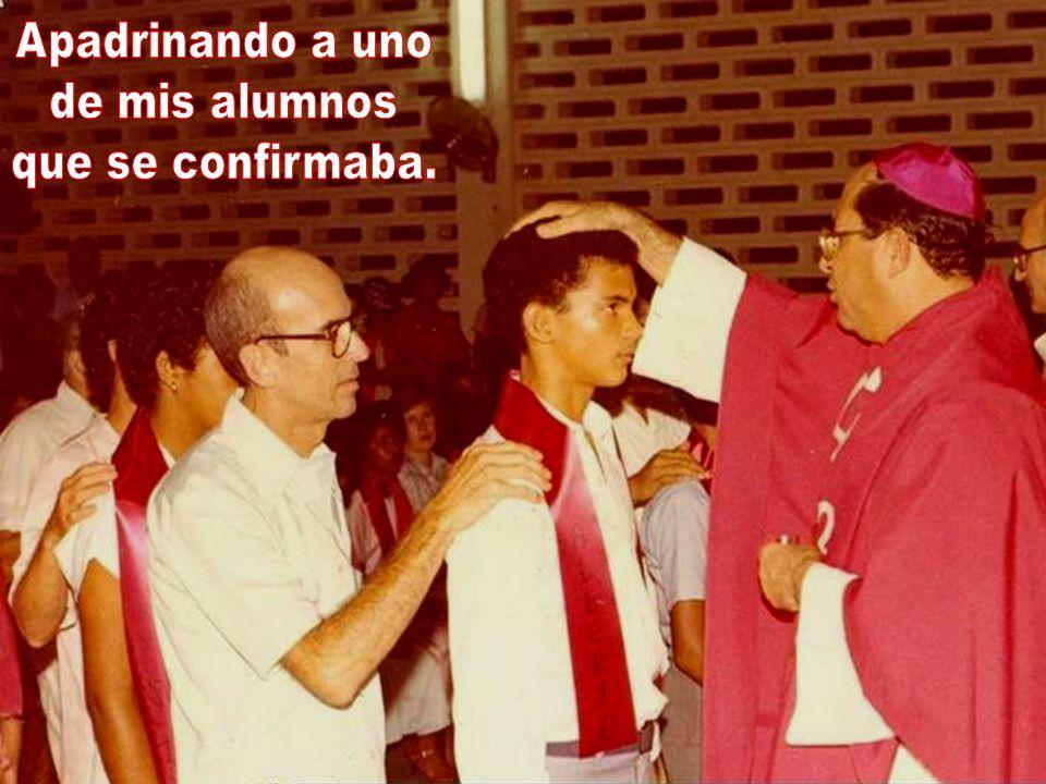En agosto de 1984 me reintegran de nuevo al querido Colegio DLS de Santiago, esta vez como profesor en el 2º año de la Secundaria y como director de l