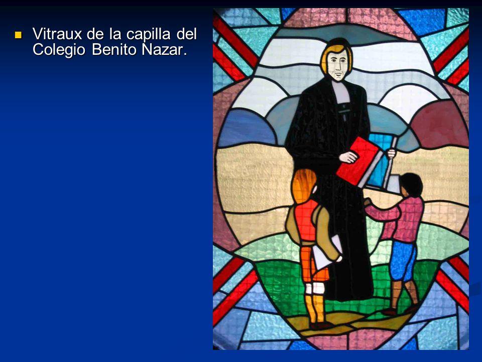 Vitraux de la capilla del Colegio Benito Nazar. Vitraux de la capilla del Colegio Benito Nazar.
