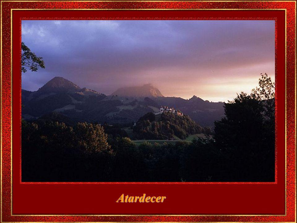 El paisaje parece haber sido hecho a la medida de pintores románticos.