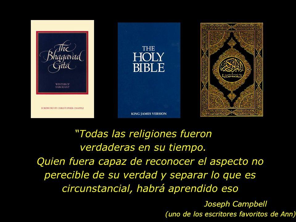 En nuestra casa, la Bíblia, el Coran y el Bhagavad Gita Estaban lado a lado en la repisa...