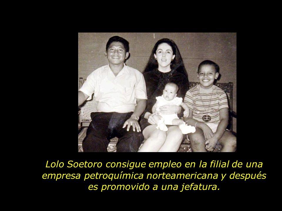 Ella divide su tiempo entre la enseñanza del ingles en la Embajada de los EUA Y el apoyo a projectos sociales y acciones comunitarias destinadas a la mejora de las condiciones socioeconómicas de las familias olvidadas por el destino..
