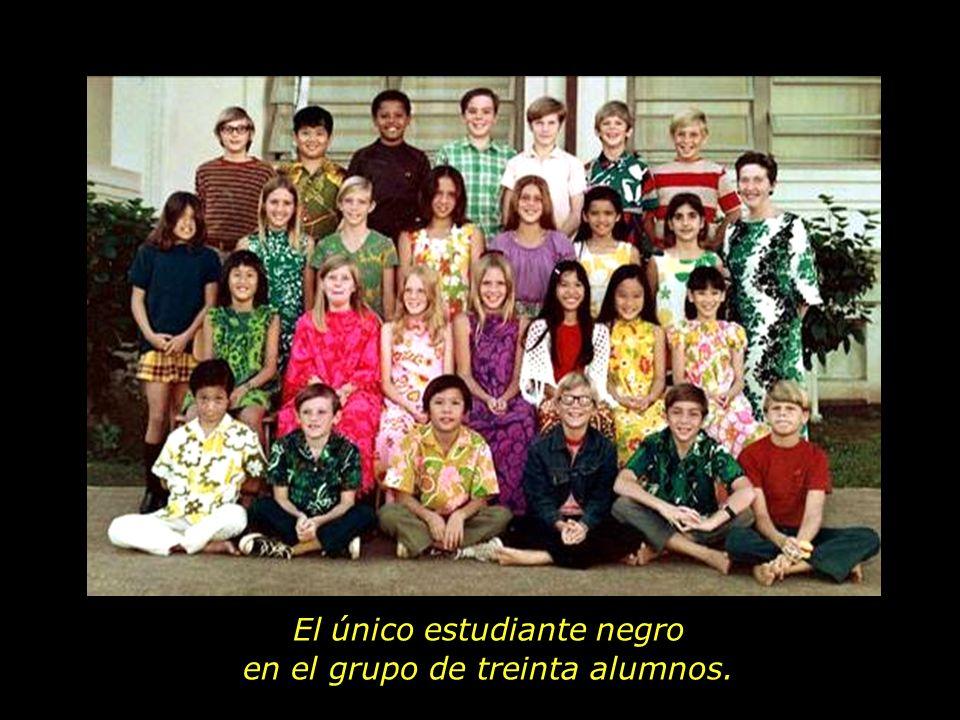 Y la vida continua. Barack Obama, ahora con diez años de edad, es matriculado en una escuela en Hawaii. A tan corta edad, tantos cambios, tantas mudan