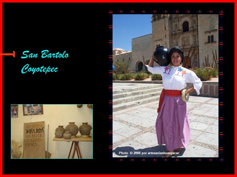 Hierve el Agua Photo © 2009 ~raúlmarcial En el estado de Oaxaca, en México, nos encontramos con una catarata detenida en el tiempo. Se trata de la cat