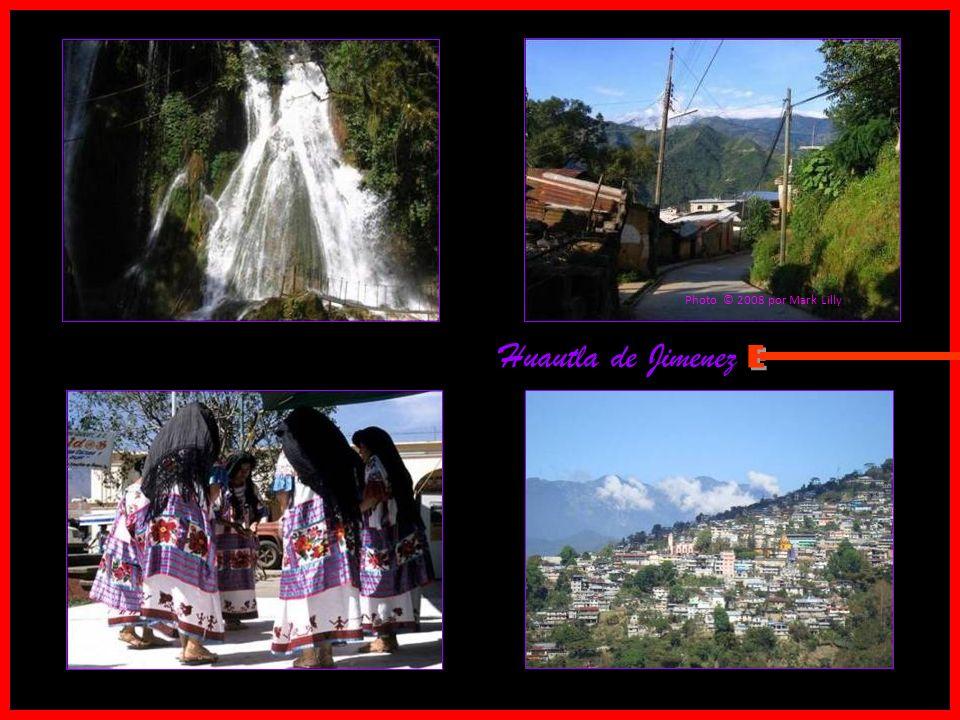 Huautla de Jimenez Photo © 2008 by ~ taringa