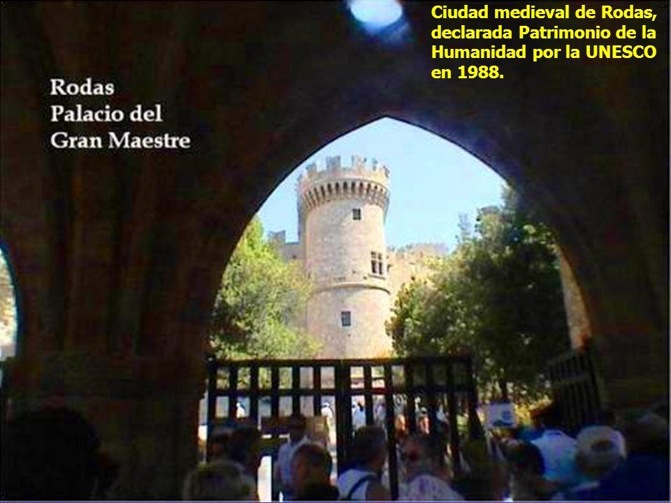 El Palacio fue construi- do por los Caballe- ros de San Juan de Jerusalén sobre el emplaza- miento de una fortaleza bizantina del s.