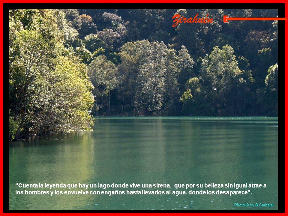 Tzintzuntzan Lugar de Colibríes: Capital del antiguo reino Purépecha a donde llegaron las tribus que poblaron la zona del Lago de Pátzcuaro en el sigl