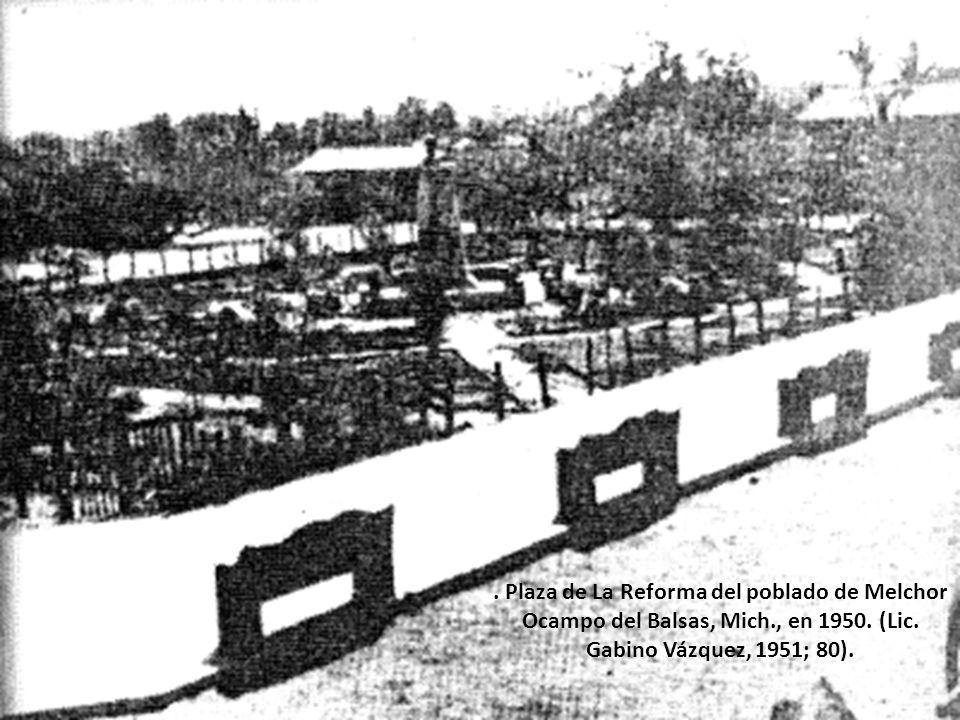 Inauguración del edificio de la Presidencia Municipal en Melchor Ocampo del Balsas. De izquierda a derecha (partiendo del tercero), podemos identifica