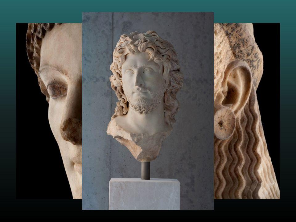 Tras años de retrasos y polémicas, los milenarios tesoros de la Acrópolis de Atenas, de incalculable valor,tienen valor,tienen por fin el marco que se merecen en un espléndido nuevo museo, inaugurado el 21 de Junio de 2009.