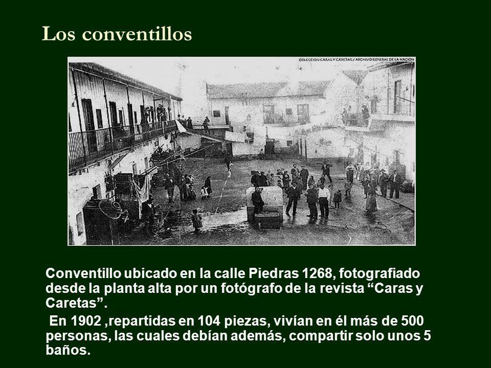Los conventillos Conventillo ubicado en la calle Piedras 1268, fotografiado desde la planta alta por un fotógrafo de la revista Caras y Caretas.