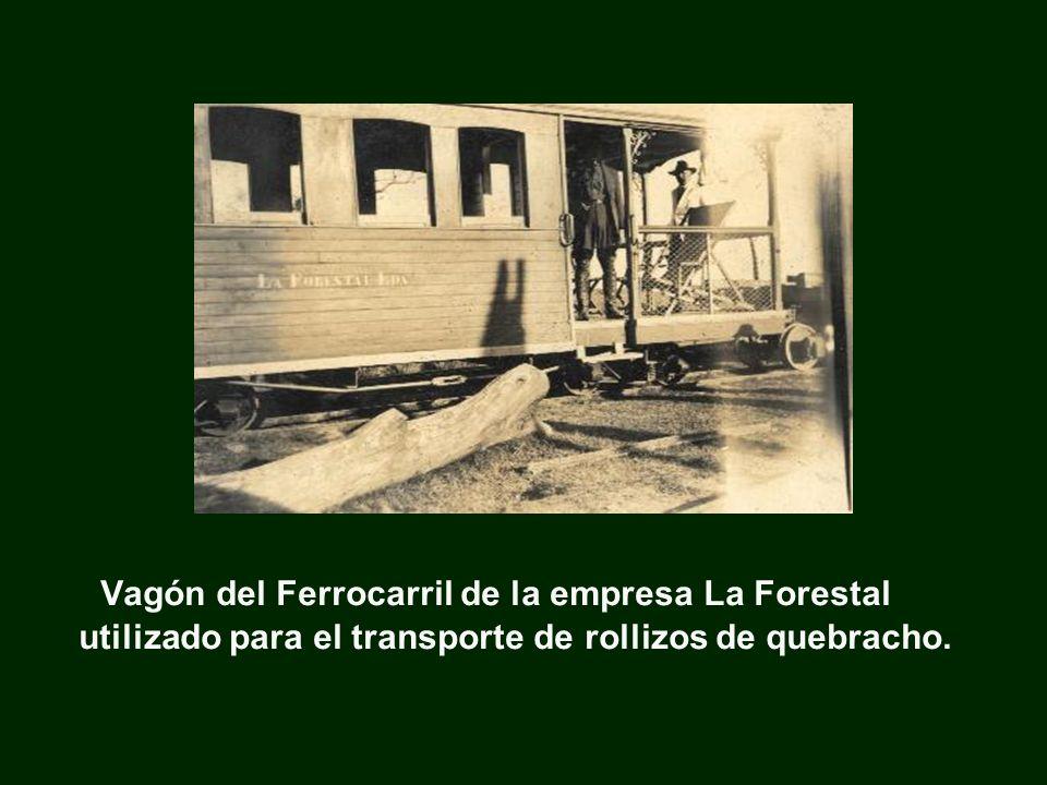 Vagón del Ferrocarril de la empresa La Forestal utilizado para el transporte de rollizos de quebracho.