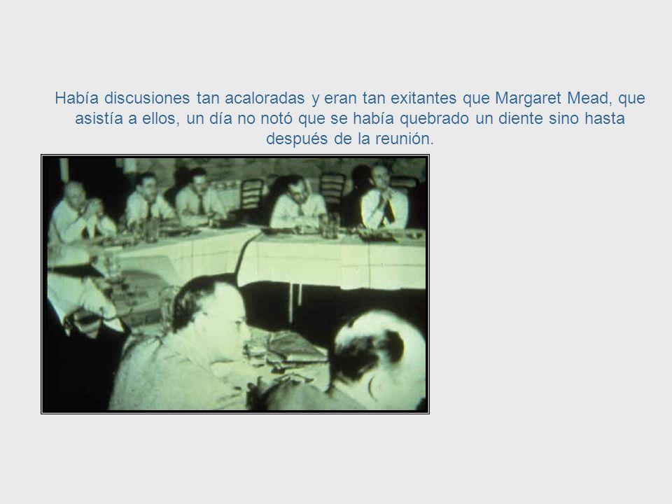 El presidente de esas reuniones, Warren McCulloch, escribió que esos científicos tenían muchas dificultades para entenderse entre ellos por que cada uno poseiaa su propio lenguage profesional.