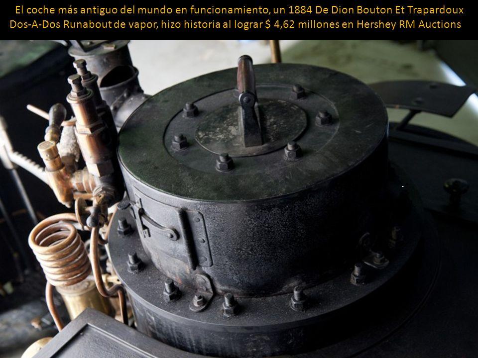 El coche más antiguo del mundo en funcionamiento, un 1884 De Dion Bouton Et Trapardoux Dos-A-Dos Runabout de vapor, hizo historia al lograr $ 4,62 millones en Hershey RM Auctions .
