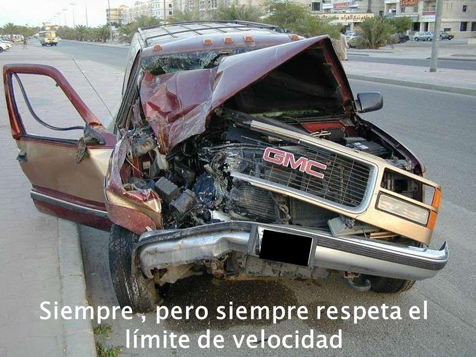No uses el celular al manejar, y menos LEAS MENSAJES DE TEXTO!!! No uses el celular al manejar, y menos LEAS MENSAJES DE TEXTO!!!