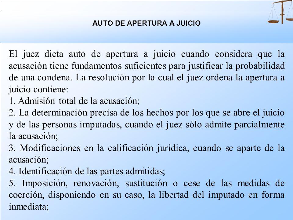 El auto de apertura a juicio se puede dictar con base en la acusación del ministerio público o la del querellante. Cuando existe una contradicción man