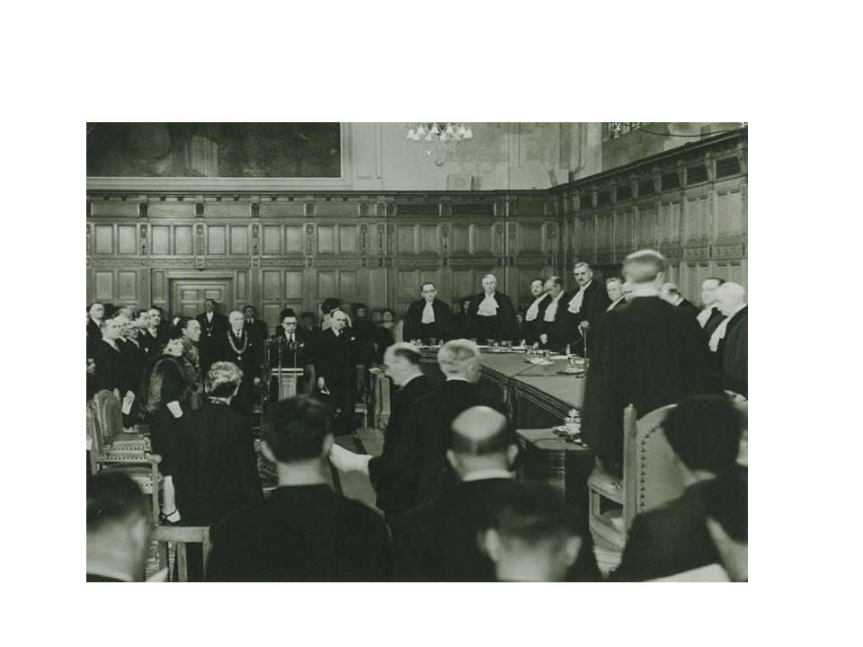OPOSICIÓN A LA EJECUCIÓN Oposición en el caso de títulos judiciales (art.556 LEC) Oposición en el caso de títulos extrajudiciales (art.557 LEC)