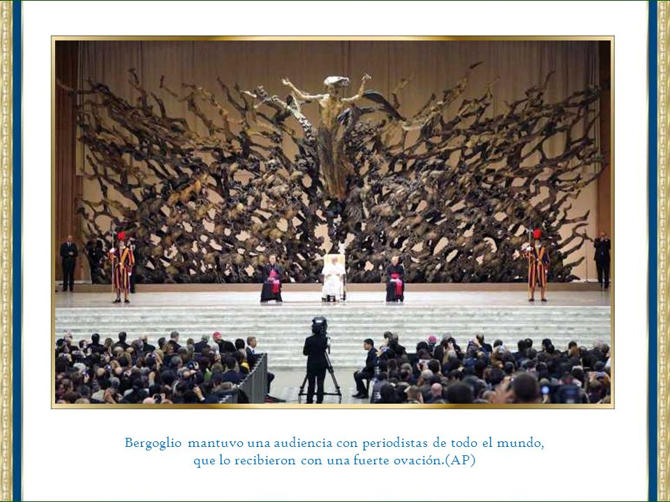 El Papa Francisco se reunió en el Palacio Apostólico del Vaticano con los todos los cardenales y les pidió no caer nunca en el pesimismo y encontrar t