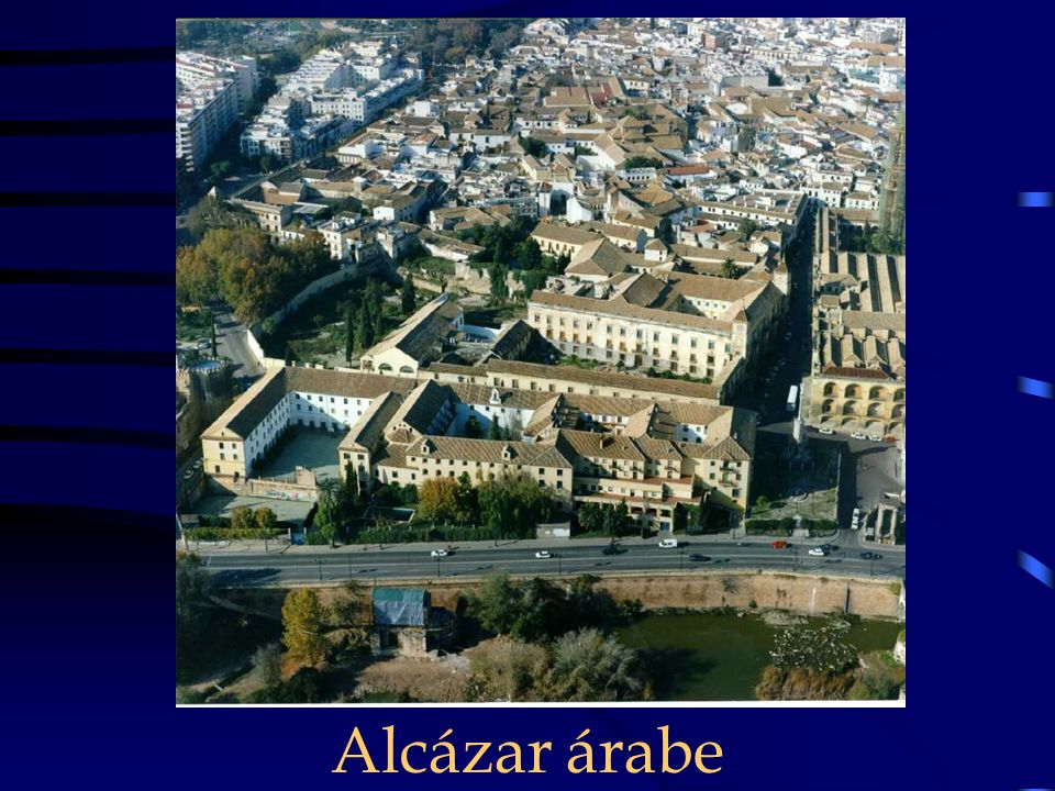Plaza junto a la Mezquita de al Shifa.