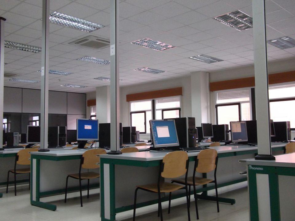Febrero 2012 E.T.S. Ingeniería Informática