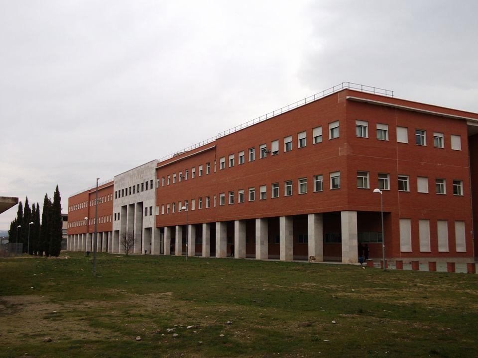 En el Campus Miguel Delibes Edificio de Tecnologías de la Información y las Comunicaciones Inaugurado en 1997 Servicios modernos y de primera calidad Otros centros y edificios de la Uva en el Campus Edificio I+I+D Centro de Idiomas.