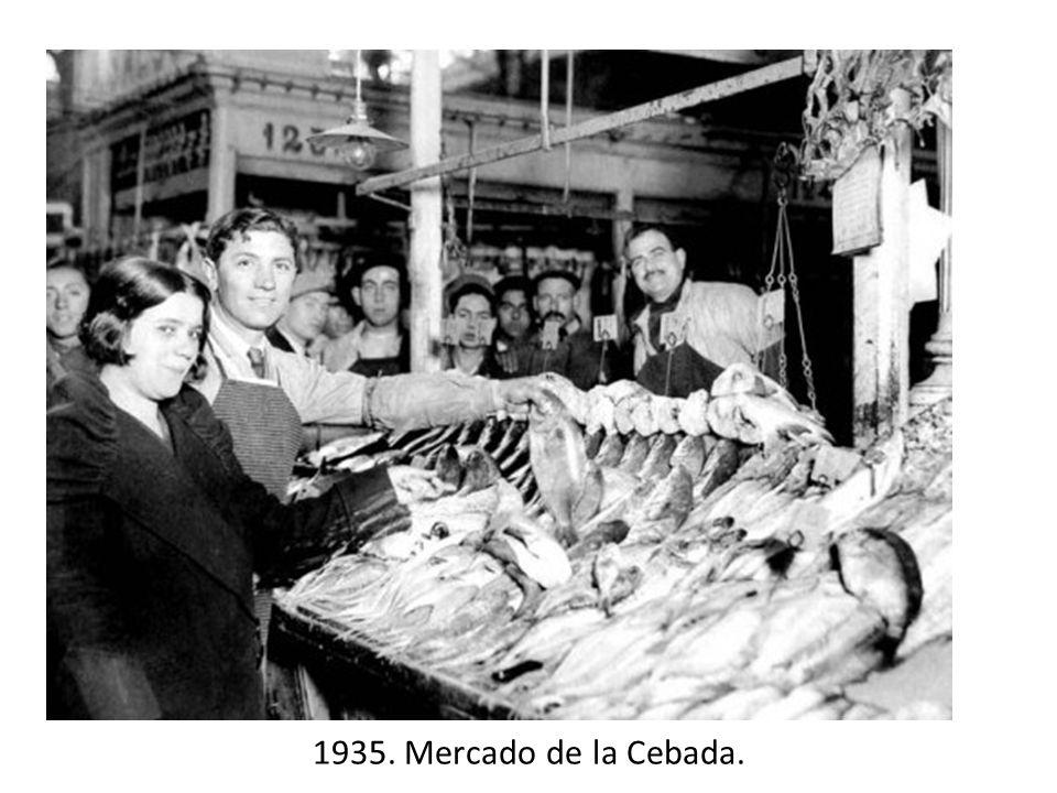 1935. Mercado de la Cebada.