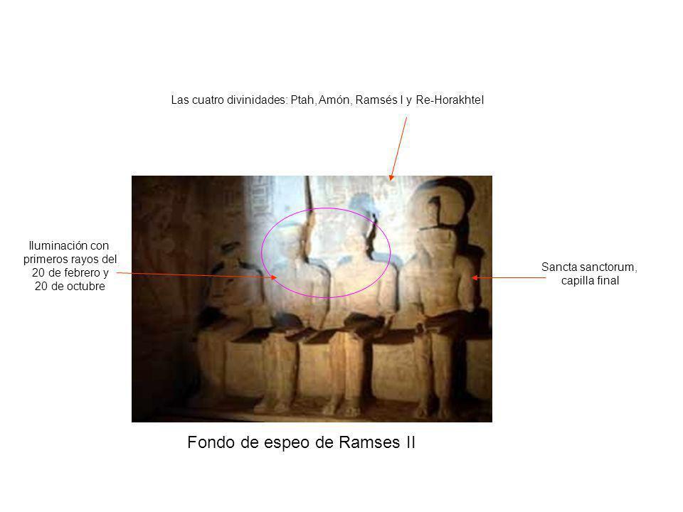 Fondo de espeo de Ramses II Las cuatro divinidades: Ptah, Amón, Ramsés I y Re-HorakhteI Iluminación con primeros rayos del 20 de febrero y 20 de octub