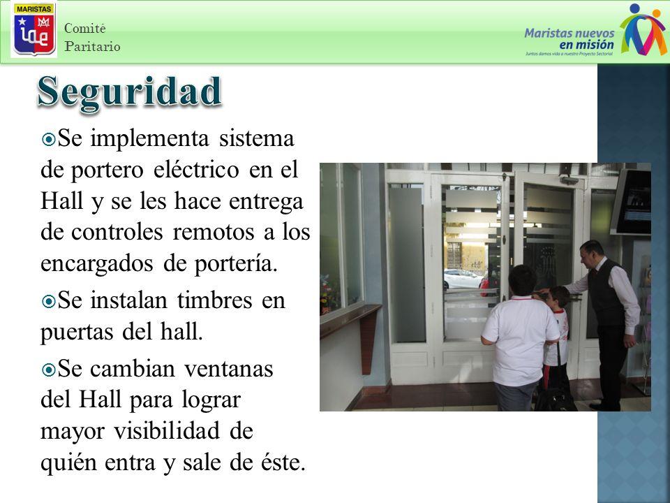 Comité Paritario Se implementa sistema de portero eléctrico en el Hall y se les hace entrega de controles remotos a los encargados de portería.