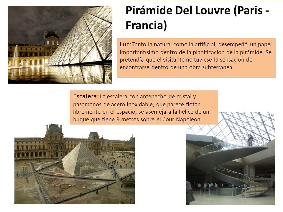Pirámide Del Louvre (Paris - Francia) Luz : Tanto la natural como la artificial, desempeñó un papel importantísimo dentro de la planificación de la pi