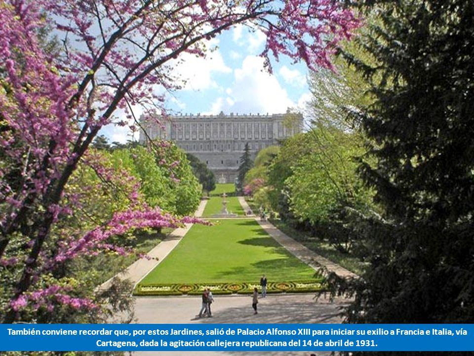 Los Jardines del Campo del Moro están en la fachada de poniente del Palacio Real y se llaman así porque en el año 1109 el segundo emir almorávide Ali