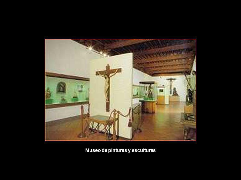 Inaugurado el 1 de septiembre de 1988. Es una sala del siglo XV, antigua ropería del convento. Cuenta con obras de Juan de Flandes, Zurbarán, Goya, Ju