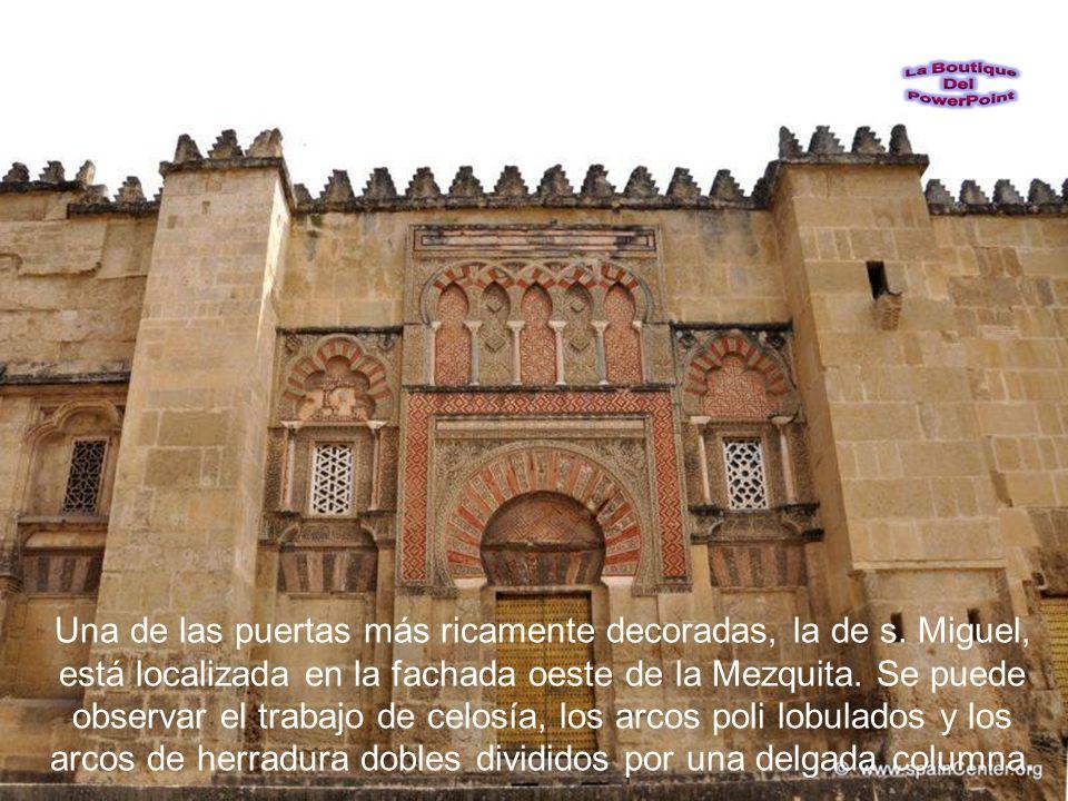 Desde la sección de Almanzor en la Mezquita se pude ver la parte trasera de la Catedral, detrás del Sagrario.