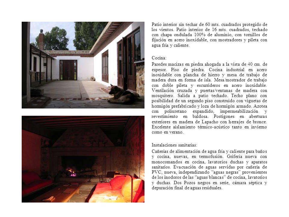 Patio interior sin techar de 60 mts. cuadrados protegido de los vientos. Patio interior de 16 mts. cuadrados, techado con chapa ondulada 100% de alumi